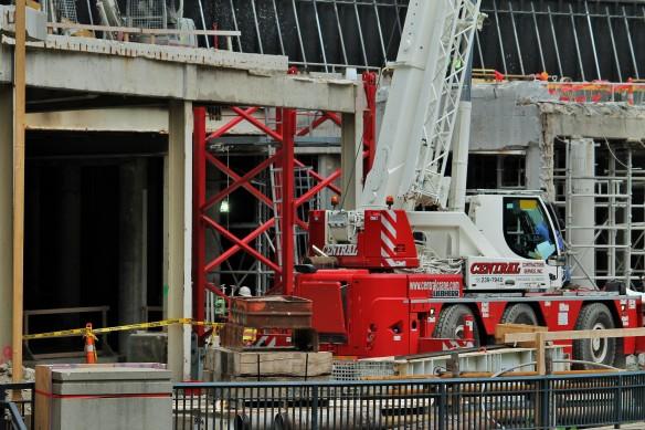 Apple Store tower crane