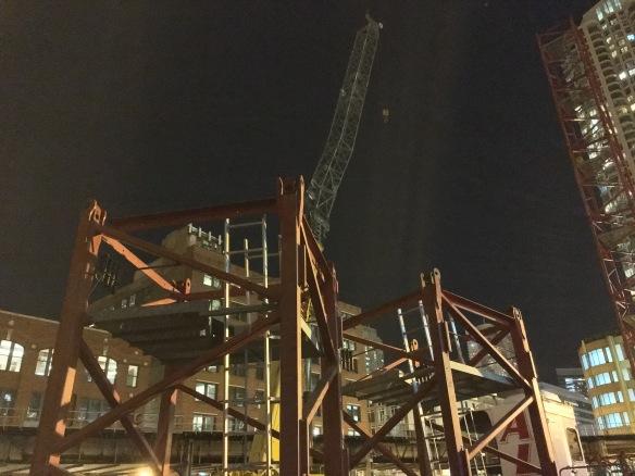 Centrum Hubbard 412 North Wells tower crane