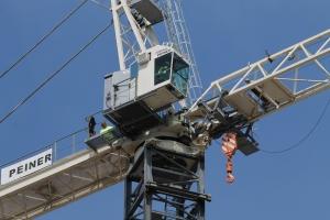 1001 West Chicago tower crane