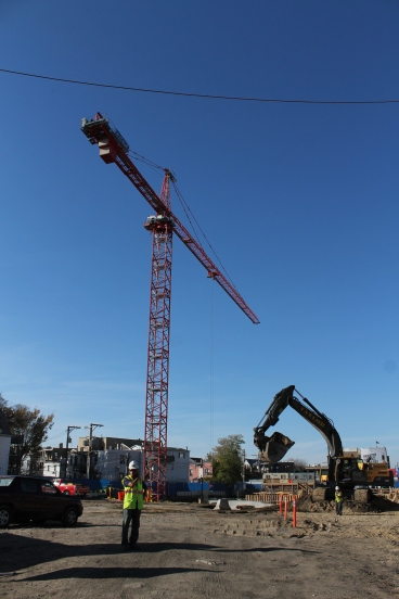 Hotel Zachary tower crane
