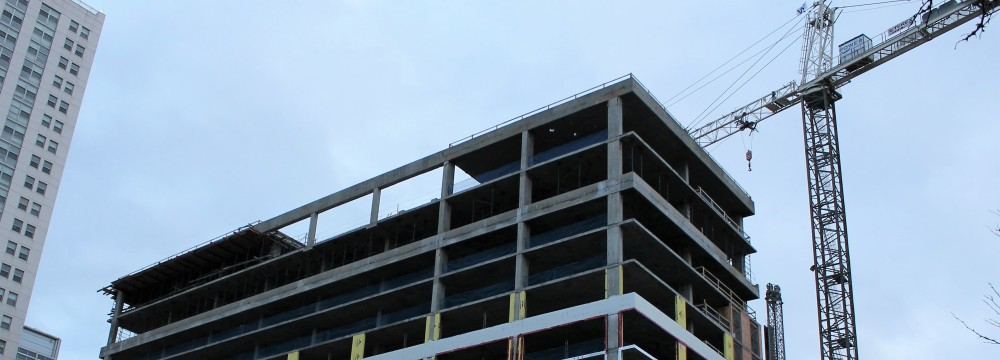 165 North Desplaines topping out
