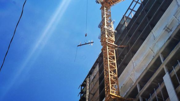 625 West Adams topping out