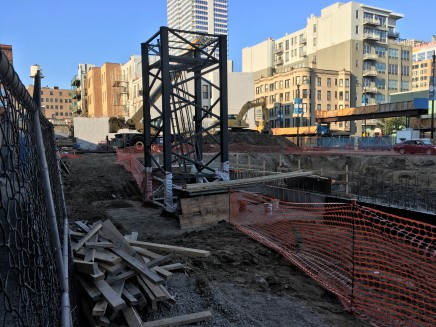 808 West Van Buren tower crane stub 4