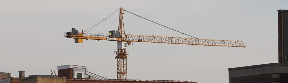 3833 North Broadway tower crane