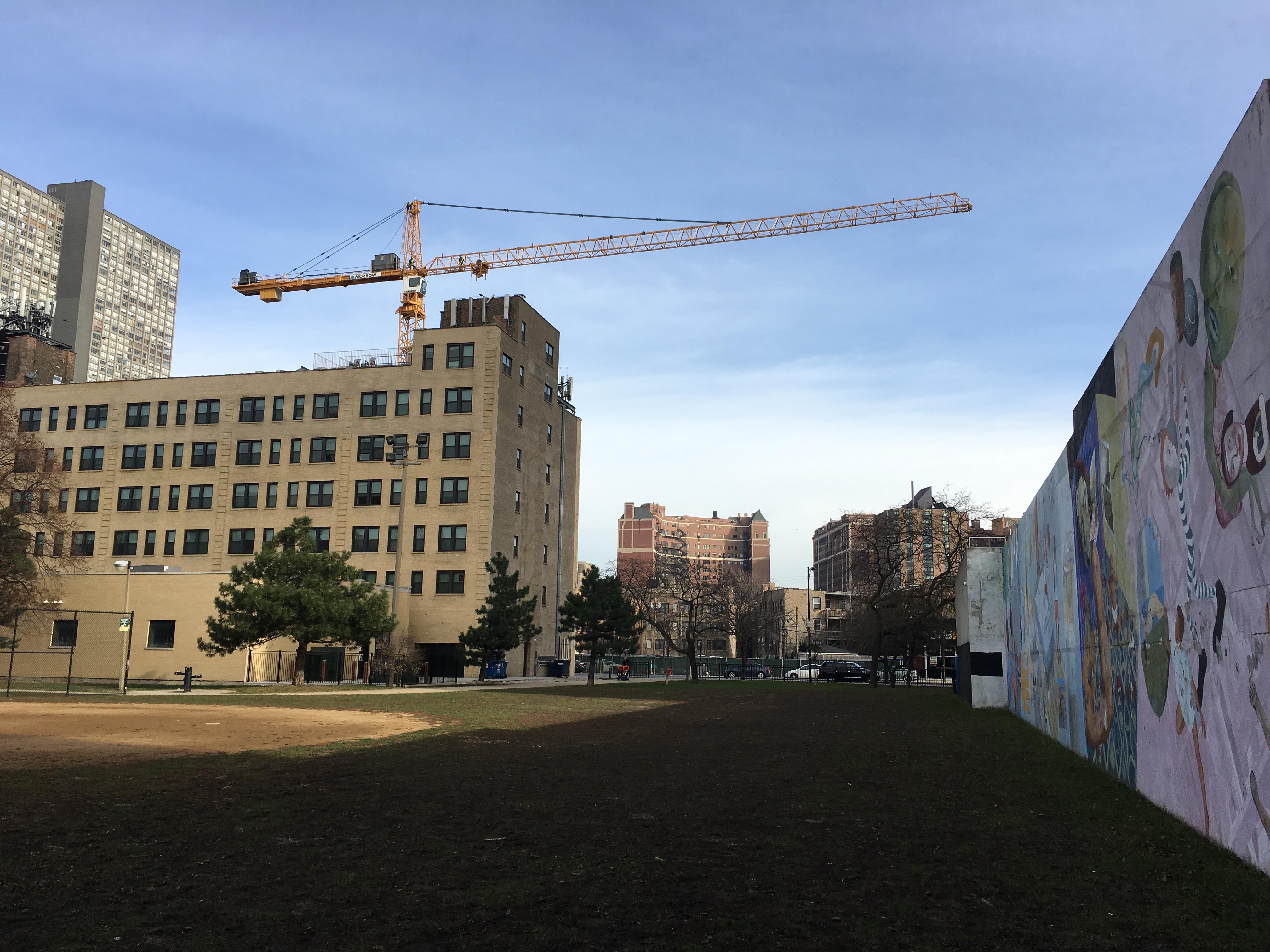 3833 North Broadway tower crane