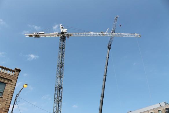 Hyatt House West Loop tower crane assembly
